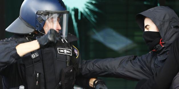In Kiel wurde ein Polizist brutal attackiert. (Symbolfoto)