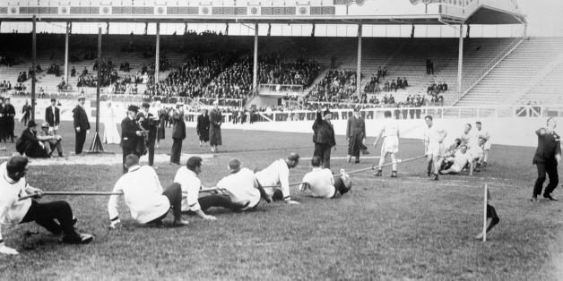 (Original Caption) London, England. Olympic Games 1908, Tug of War.