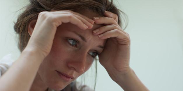 Depressive Menschen leiden häufig auch unter körperlichen Beschwerden.