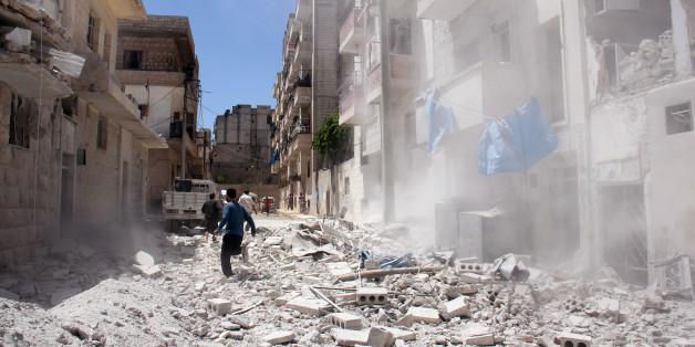 Syrisches Regime bombardiert Kliniken - 13 Tote in Idlib