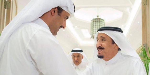 Le roi d'Arabie saoudite reçoit l'émir du Qatar dans sa résidence à Tanger