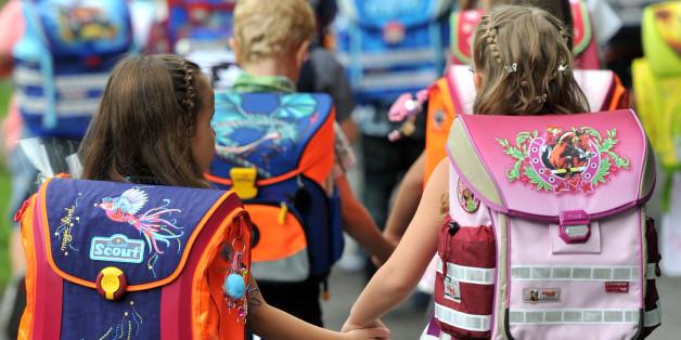 Erstklässler beim Start ins Schuljahr