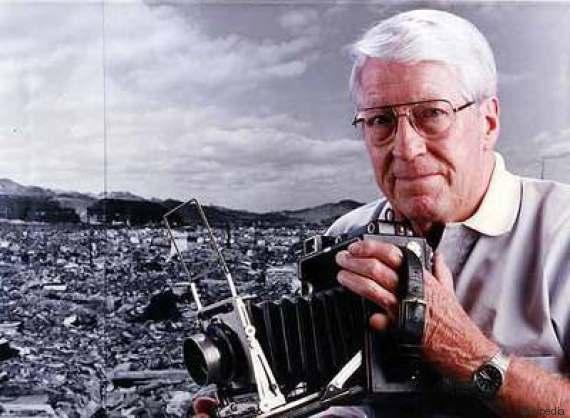 La storia della foto di Joe O'Donnell: il bambino di Nagasaki e il fratellino morto sulle