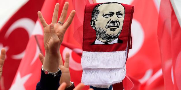 """""""Wie in den 30er-Jahren"""": Erdogan-Anhänger betreiben in Deutschland Hetzjagd auf Gülenisten"""