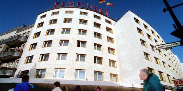 Das Kempinski-Hotel Bristol am Kurfürstendamm in Berlin, aufgenommen 1998.
