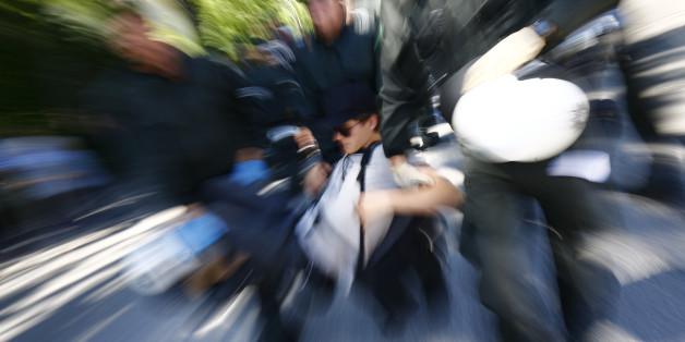 In Berlin kam es innerhalb von drei Tagen zwei Mal zu Auseinandersetzungen zwischen der Polizei und Menschengruppen.