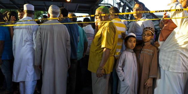 Muslime versammeln sich zu einer Demo in New York, nachdem der Imam erschossen wurde.