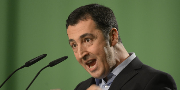 German Green Party co-leader Cem Oezdemir delivers his speech at the party convention in Hanover, November 16, 2012. REUTERS/Fabian Bimmer (GERMANY - Tags: POLITICS)