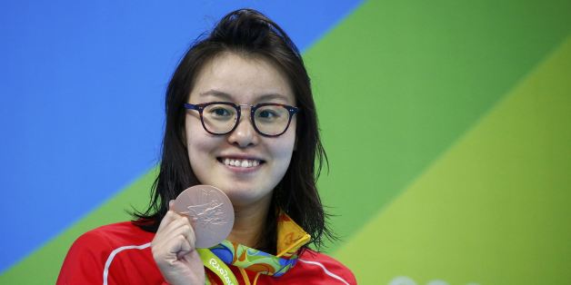 2016 Rio Olympics - Swimming  - Women's 100m Backstroke Victory Ceremony - Olympic Aquatics Stadium - Rio de Janeiro, Brazil - 08/08/2016. Fu Yuanhui (CHN) of China (PRC) pose with her medal   REUTERS/David Gray FOR EDITORIAL USE ONLY. NOT FOR SALE FOR MARKETING OR ADVERTISING CAMPAIGNS.