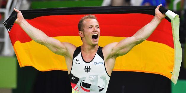 Fabian Hambüchen feiert seinen Sieg in Rio