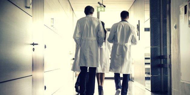 """""""30 Attacken jeden Monat"""": Chefarzt beklagt Gewalt gegen Ärzte und Pfleger"""