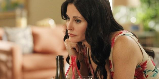 """Man ist nur so alt wie man sich fühlt. <a href=""""http://www.isnottv.com/showtime?ref=tt1441109"""" target=""""_hplink"""">""""Cougar Town""""</a> ist neu bei Maxdome"""