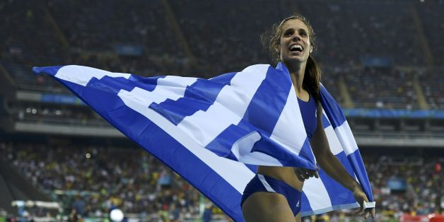 2016 Rio Olympics - Athletics - Final - Women's Pole Vault Final - Olympic Stadium - Rio de Janeiro, Brazil - 19/08/2016. Ekaterini Stefanidi (GRE) of Greece celebrates winning the gold medal.   REUTERS/Dylan Martinez  FOR EDITORIAL USE ONLY. NOT FOR SALE FOR MARKETING OR ADVERTISING CAMPAIGNS.