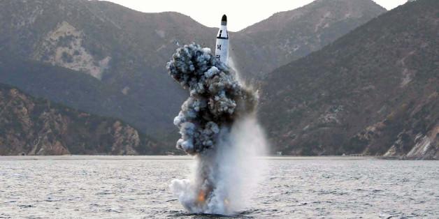 Un missile nord-coréen tiré depuis un sous-marin franchit l'espace aérien japonais