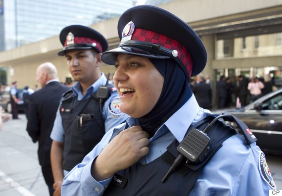 toronto police hijab
