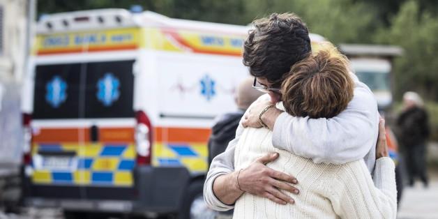 """""""Wir bereiten einen Ort für die Leichen vor"""": Mindestens 120 Tote nach Erdbeben in Italien"""