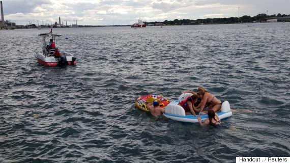 canada float americans