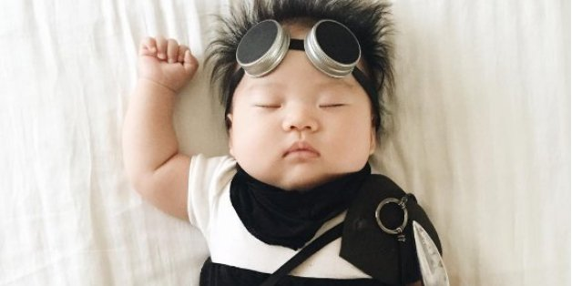 Joey Izumikawa wird von ihrer Mutter verkleidet, die die Bilder auf Instagram hochlädt