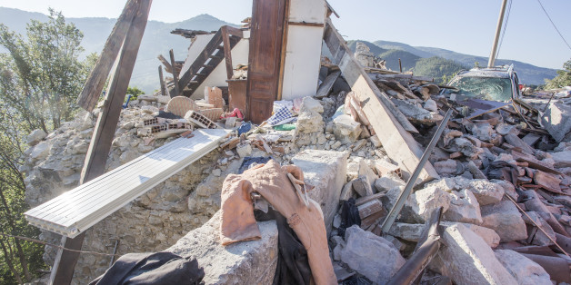 The survivors research continue in the destroyed building  in the city of Pescara del Tronto, Italy on 25 August 2016  after the earthquake that shaked center Italy early in the morning  on August 24, 2016 (Photo by Mauro Ujetto/NurPhoto via Getty Images)