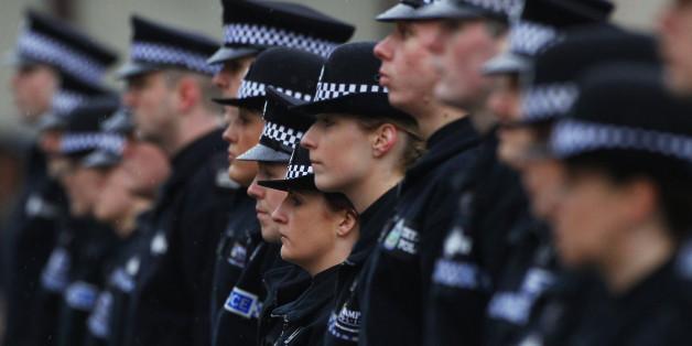 Die Uniformen der Schottischen Polizei: Von nun an sind auch Hidschabs dabei