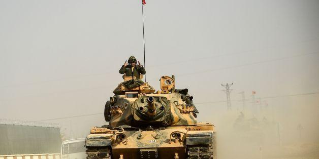 Ein türkischer Panzer am Mittwoch vor der Offensive gegen den IS.
