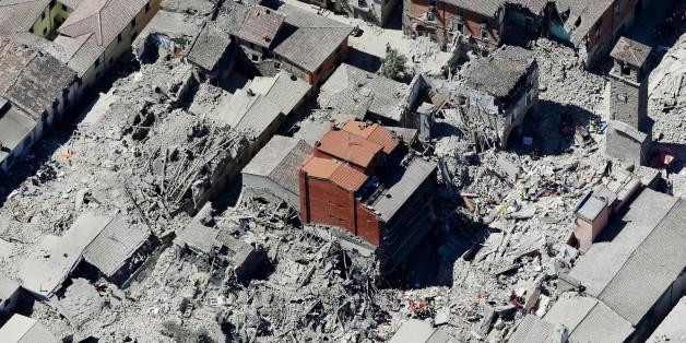 In Accumoli in der Provinz Rieti sind viele Häuser nicht nur zu Trümmern, sondern zu Staub zerbröselt