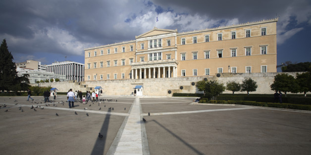 Greece, Athens, Parliament building in Syntagma Square