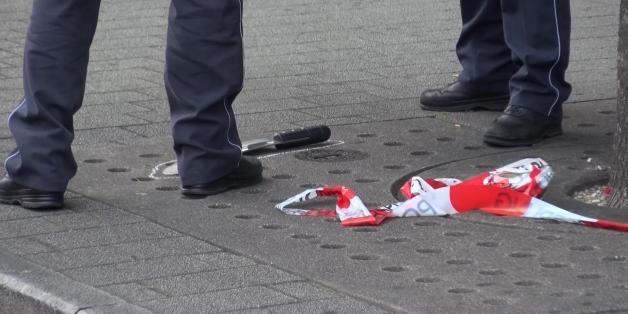 Mann attackiert Pärchen mit Messer - 66-jährige erlitt lebensgefährliche Verletzungen. (Symbolfoto)