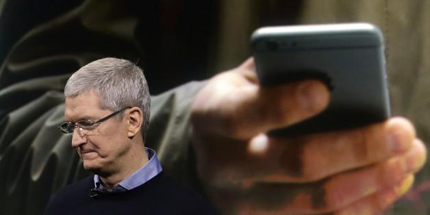 Apple CEO Tim Cook bei einer Präsentation im März 2016