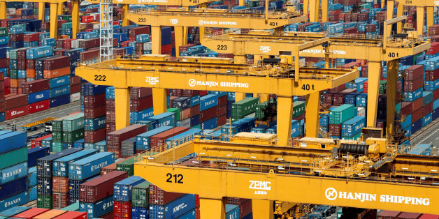 Hanjin Shipping's container terminal is seen at the Busan New Port in Busan, about 420 km (261 miles) southeast of Seoul, August 8, 2013. REUTERS/Lee Jae-Won/File Photo