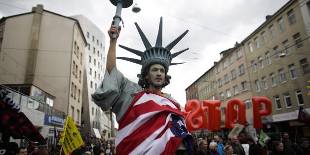 Nur noch eine knappe Mehrheit deutscher Ökonomen unterstützt das Freihandelsabkommen TTIP