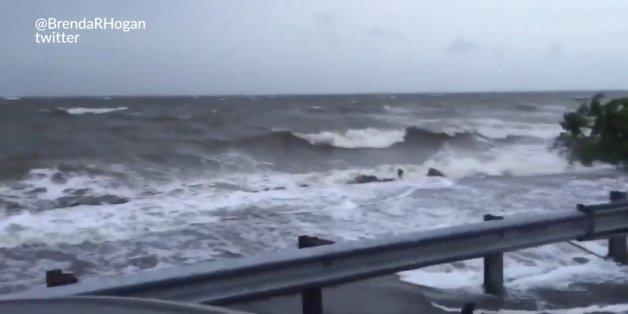 Des rafales à 130 km/h et des pluies violentes frappent la Floride avec l'arrivée de l'ouragan Hermine aux États-Unis