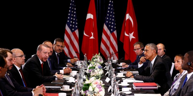 HANGZHOU, CHINA - SEPTEMBER 04: Turkish President Recep Tayyip Erdogan (4th L) and U.S. President Barack Obama (3rd R) are seen during their meeting as the 11th G20 Leaders' Summit continues in Hangzhou, China, on September 04, 2016. (Photo by Mehmet Ali Ozcan/Anadolu Agency/Getty Images)