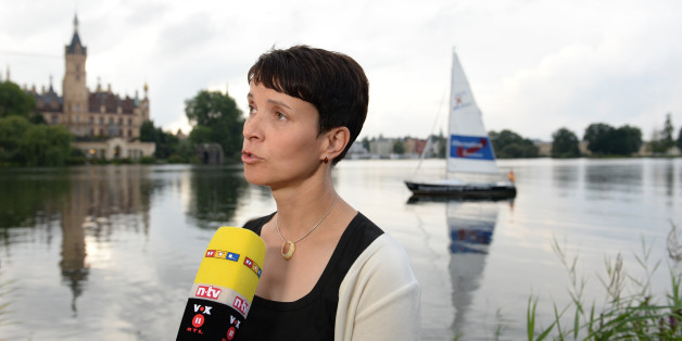 Frauke Petry gibt in Schwerin ein Interview