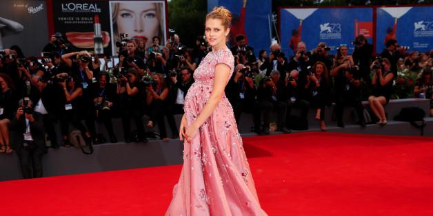 Teresa Palmer präsentierte ihre neue Schwangerschafts-Figur auf den Filmfestspielen in Venedig