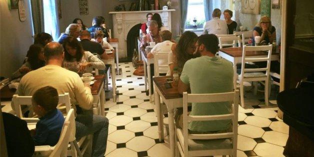 Dieses Restaurant serviert bestimmte Gerichte nur, wenn die Kunden ein ärztliches Attest vorweisen.