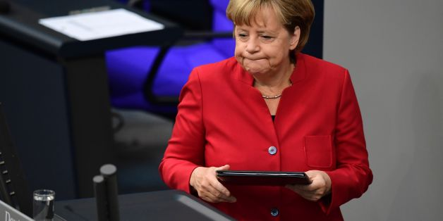 Angela Merkel tritt vor den Deutschen Bundestag