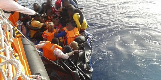 Le Maroc sauve une embarcation avec 50 migrants clandestins à bord