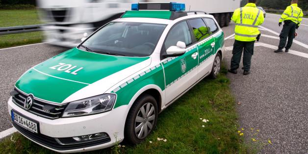 Polizei erwischt auf der A8 einen 13-Jährigen am Steuer – noch dämlicher als der Sohn ist die Reaktion der Eltern