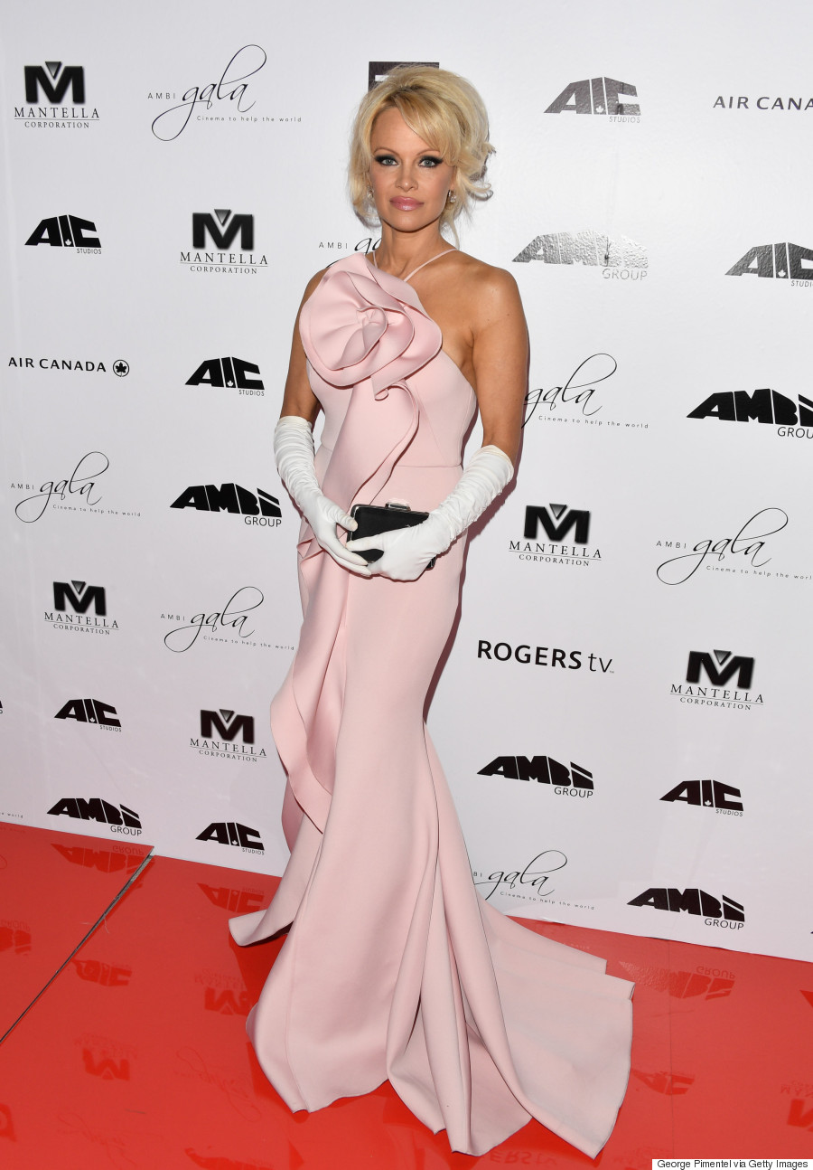 Tiff 2016 Pamela Anderson Stuns In Pink Gown At Ambi Gala