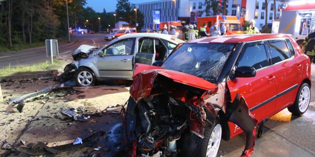 Unfall nach einem Autorennen in Hagen (Symbolfoto)