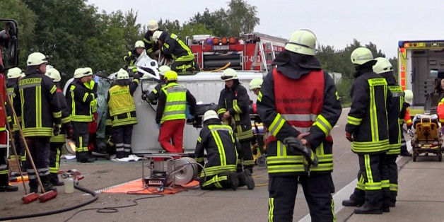 Feuerwehr auf der Autobahn (Symbolfoto)