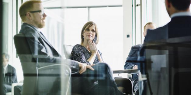 Frauen bekommen seltener Gehaltserhöhungen als ihrer männlichen Kollegen.