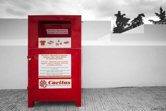 contenedor caritas formentera