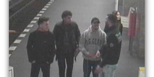 Die Polizei Berlin sucht mit diesen Bildern nach fünf Jugendlichen