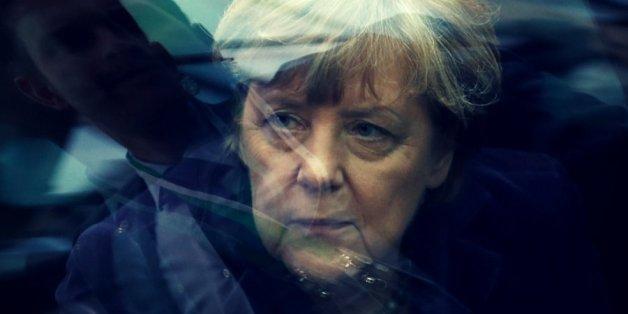 """""""Die Kanzlerin der sozialen Kälte"""" - So hat die Regierung Millionen Deutsche in die Armut getrieben"""