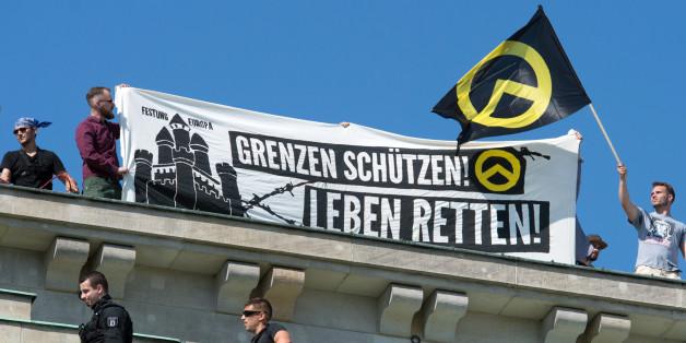 Mitglieder der Identitären Bewegung sollen in Berlin eine Radiosendung gestört haben