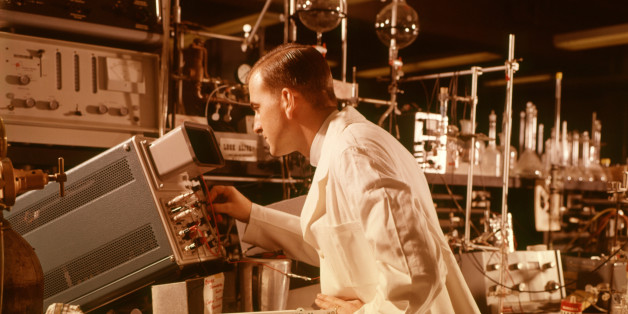 Symbolbild: Wissenschaftler in den 60er-Jahren