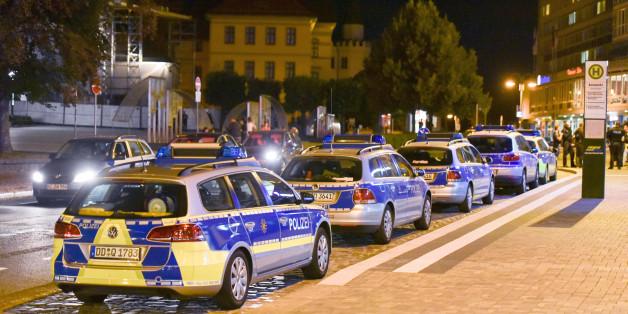 Polizeifahrzeuge in Bautzen in der Nacht auf Donnerstag