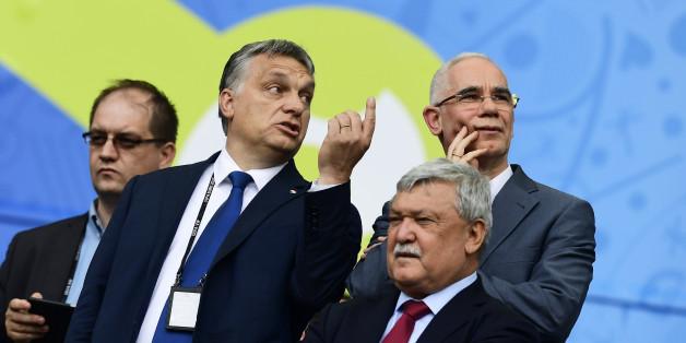 Ungarns Premier Viktor Orban (l) Zoltan Balog (r)